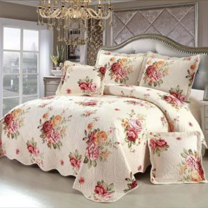 Set cuvertura de pat matlasata + 4 Fete de perna, 100% Bumbac, 5 Piese, Imprimeu cu flori, K5P7002