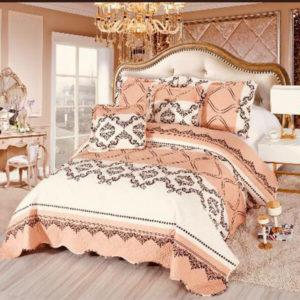 Set cuvertura de pat matlasata + 4 Fete de perna, 100% Bumbac, 5 Piese, Imprimeu Elegant, Bej/Caramiziu, K5P7007